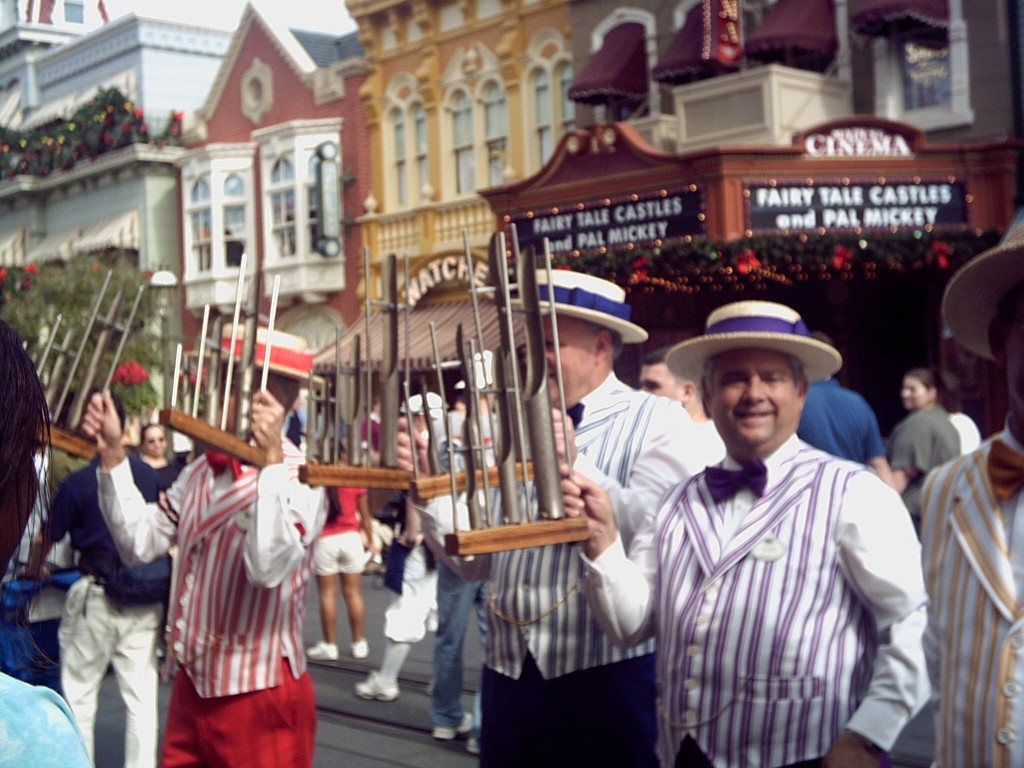 Main Street performers