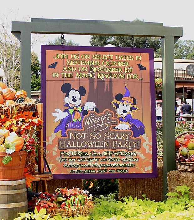 Wordless Wednesday: Time for Mickey's Not So Scary Halloween Party