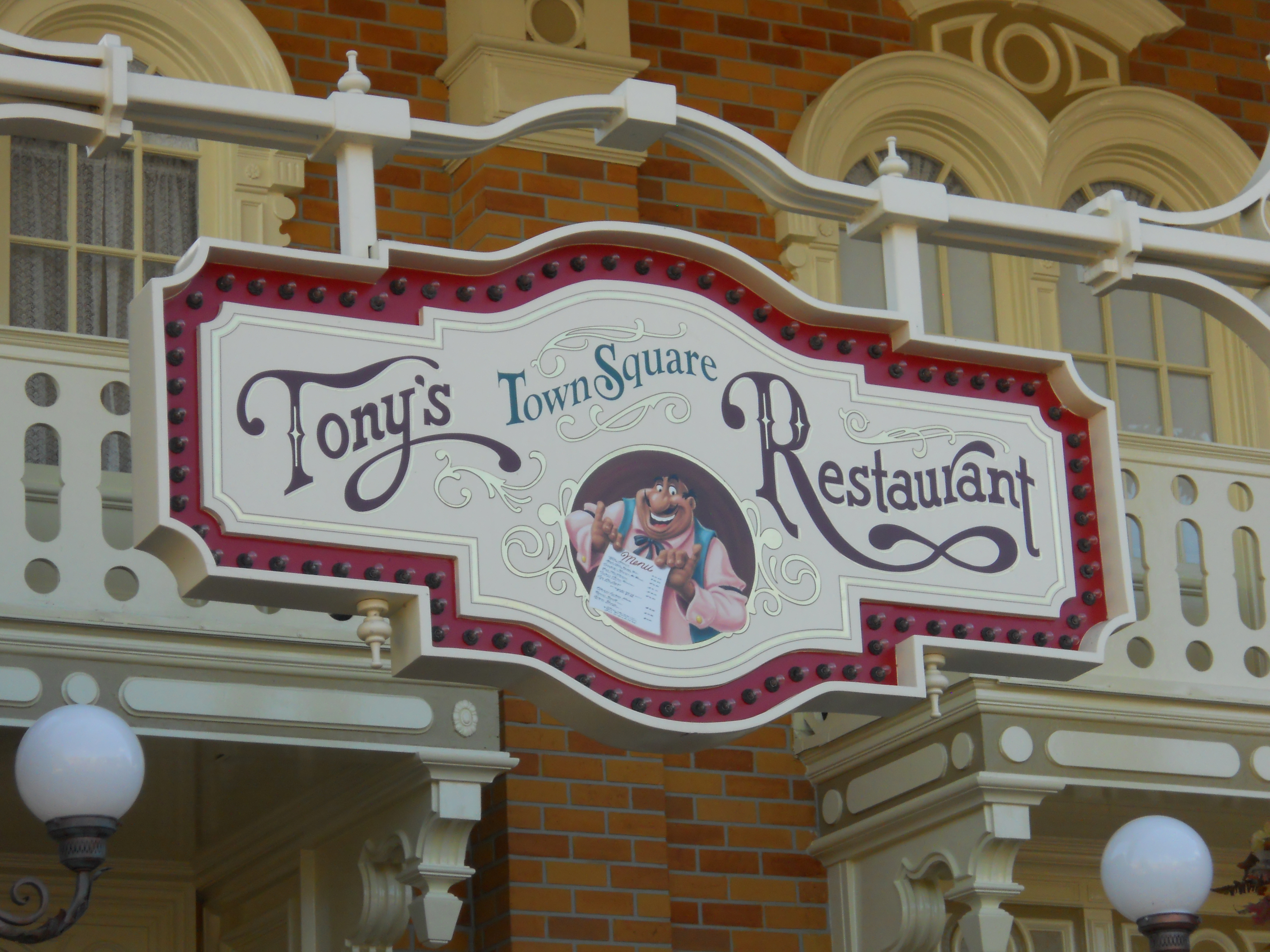 As You Enter Magic Kingdom On The Right Side Of Town Square Is Tony S Restaurant Inspired By Charming Italian Trattoria Where Lady And