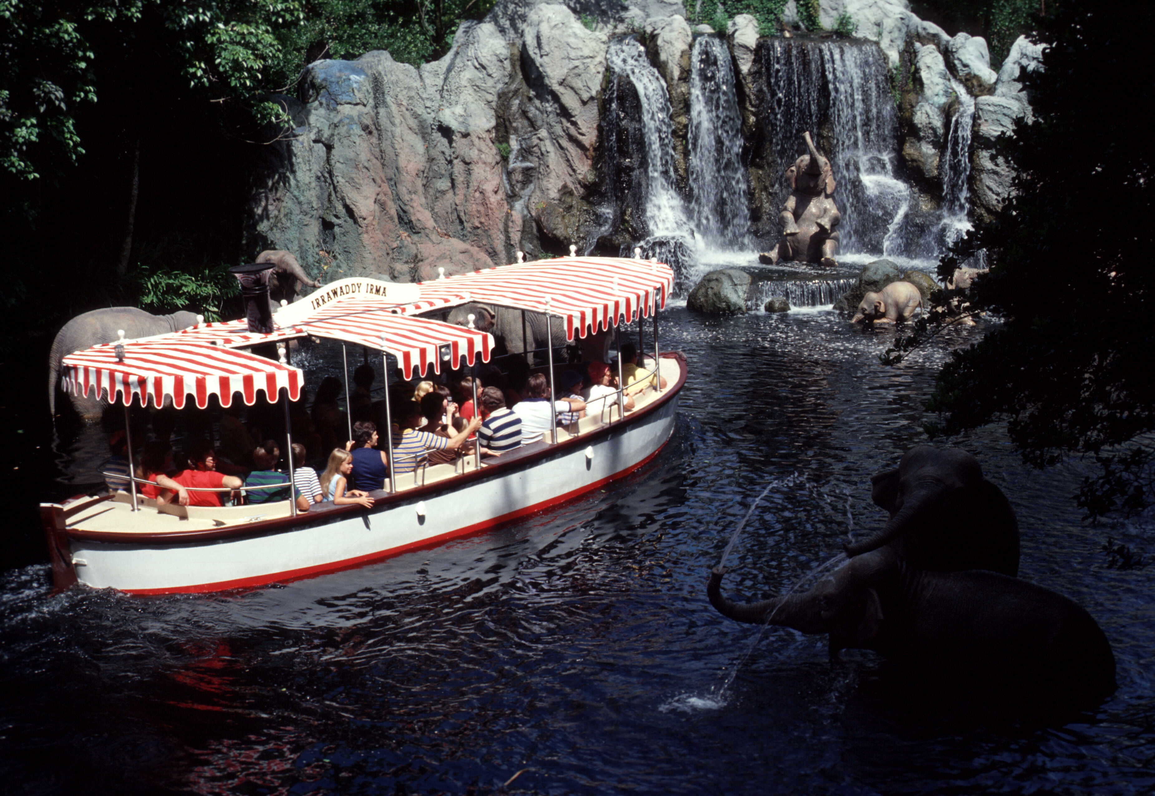 Terrific Tuesdays: Holiday Attractions - 6706.7KB