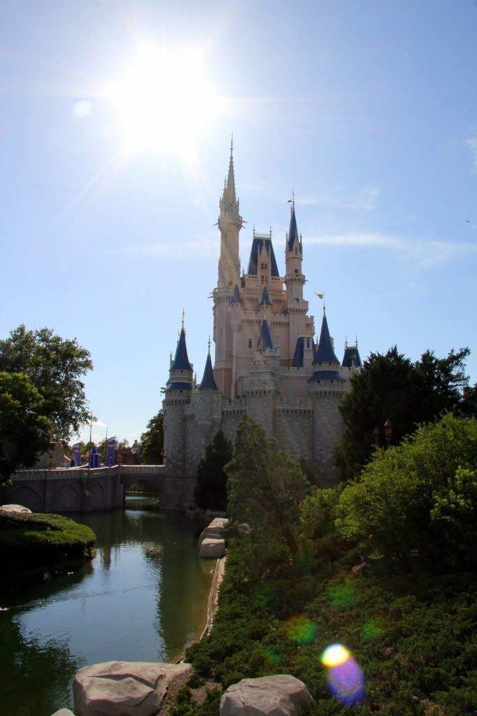 Thrifty Thursday: Disney Vacation Planning….at a Minimum