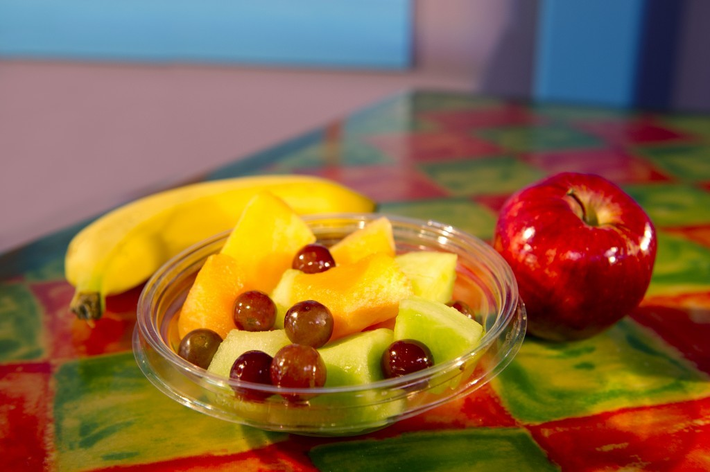 quick_service_healthy_snacks_shutters_at_old_port_royale_at_disneys_caribbean_beach_resort-1024x681