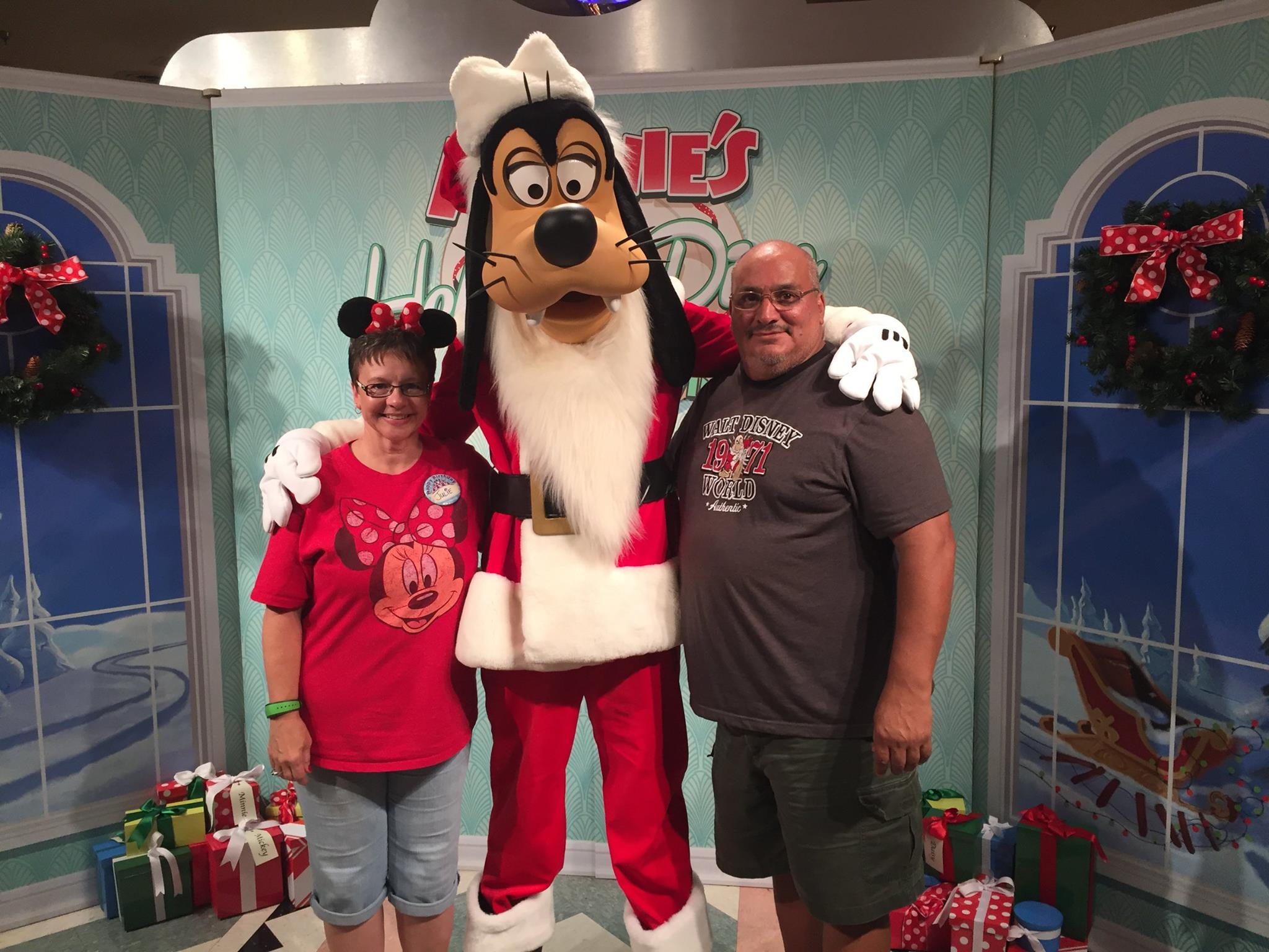 Disney world deliciousness hollywood vine the affordable mouse if you are looking for a fun character dining experience head to hollywood vine in hollywood studios where you can meet a variety of different m4hsunfo